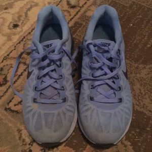Nike powder blue Lunarglide 6 tennis shoes